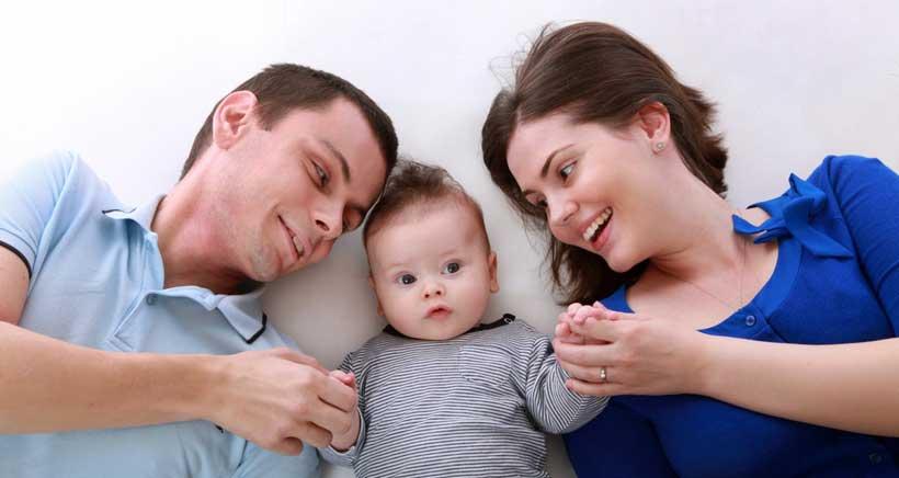 Tu fotografía de familia a cambio de potitos