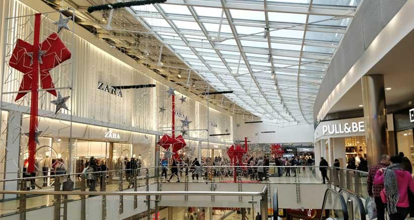 Reparto de regalos y encendido de luces navideñas en Berceo