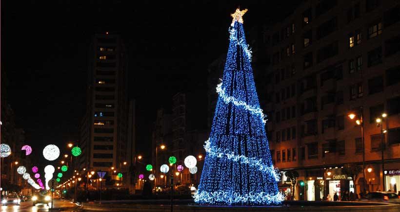 Un árbol de 18 metros visitable en su interior presidirá la Gran Vía en Navidad