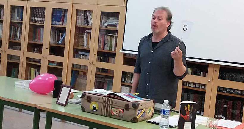 La poesía si es cosa de niños, taller con Raúl Vacas en la Rafael Azcona