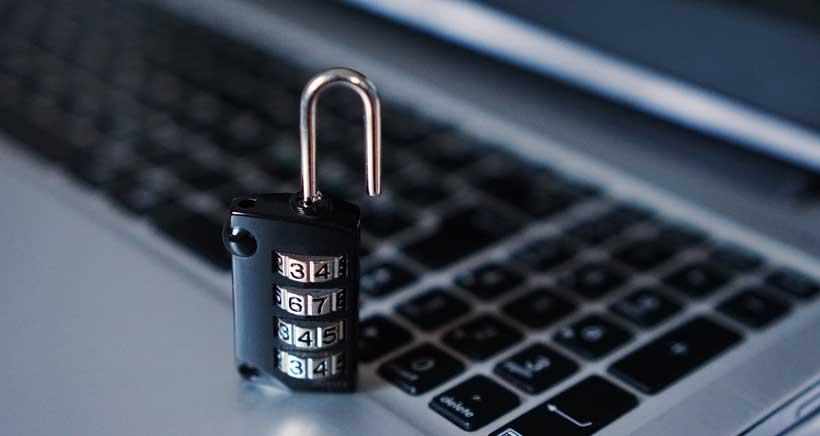 ¿Quieres que tus hijos naveguen por internet de forma segura?