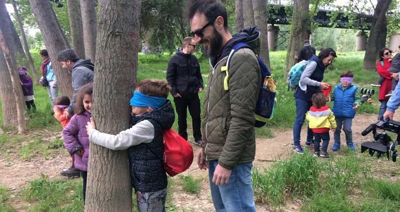 Abrazo-a-los-arboles-en-la-ribera-Ebro