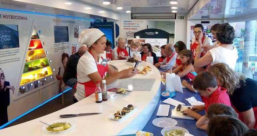 Talleres infantiles de cocina sana en la Caravana de la Salud