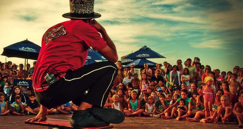 Teatro, circo y música protagonizan el IV Artencalle, en Alfaro
