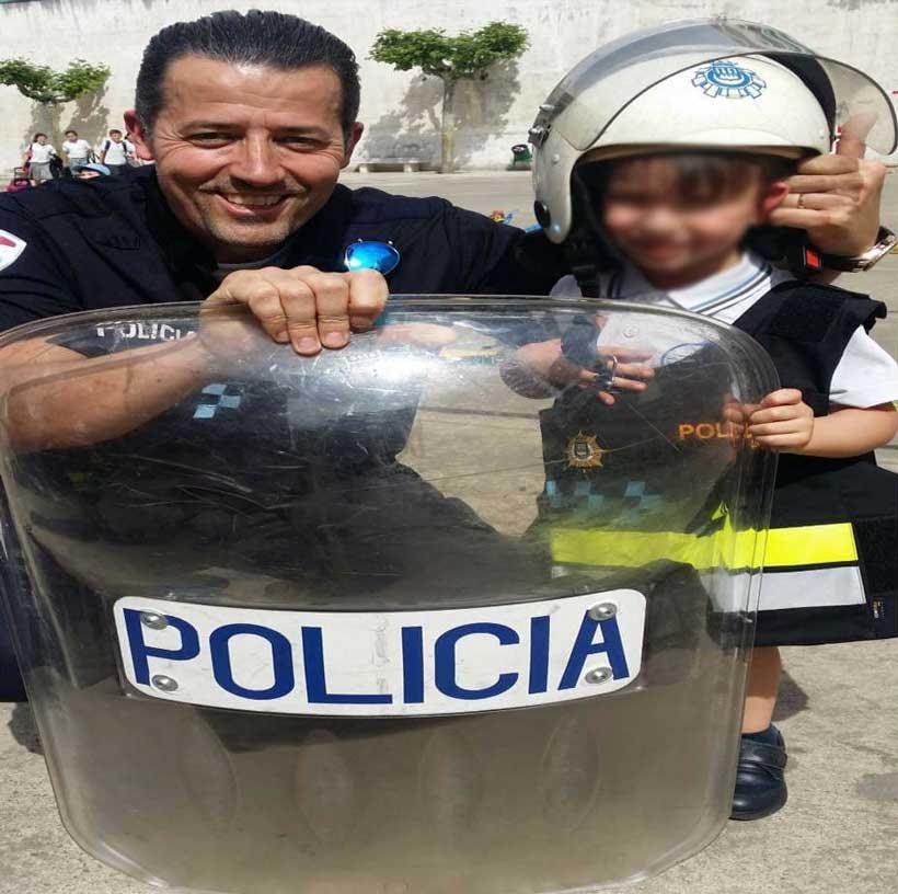 Salvador-Marti-Alexia-Ensenanos