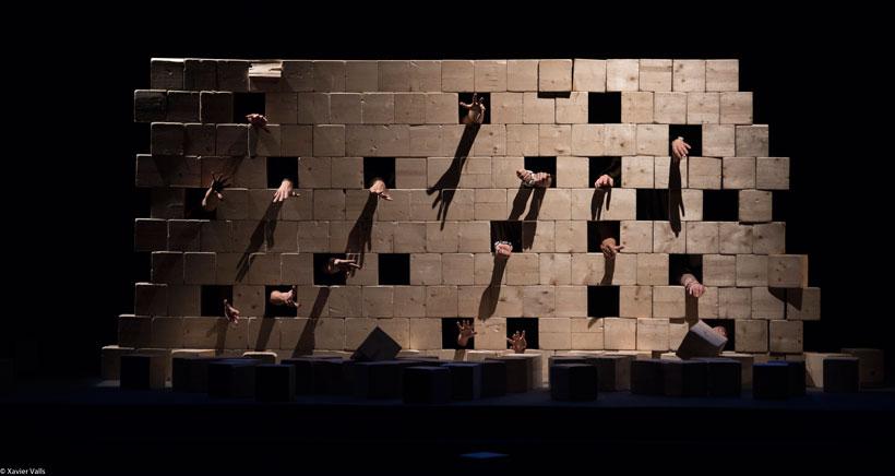 'Mur', un espectáculo para romper las barreras