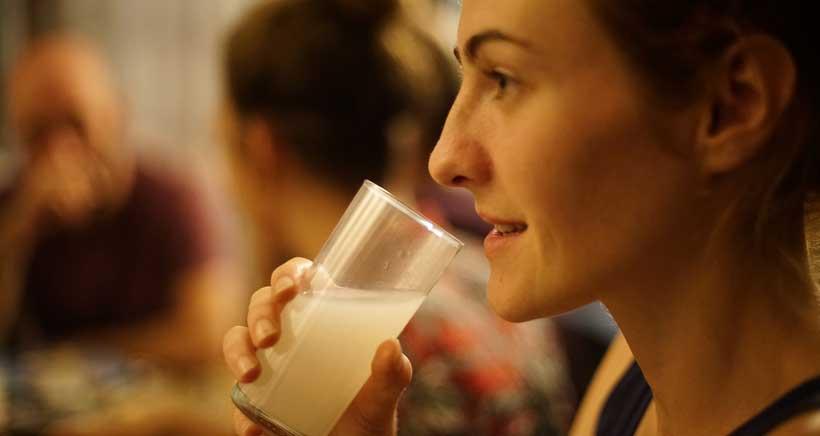 Si bebes alcohol y das pecho mira las precauciones que debes tomar