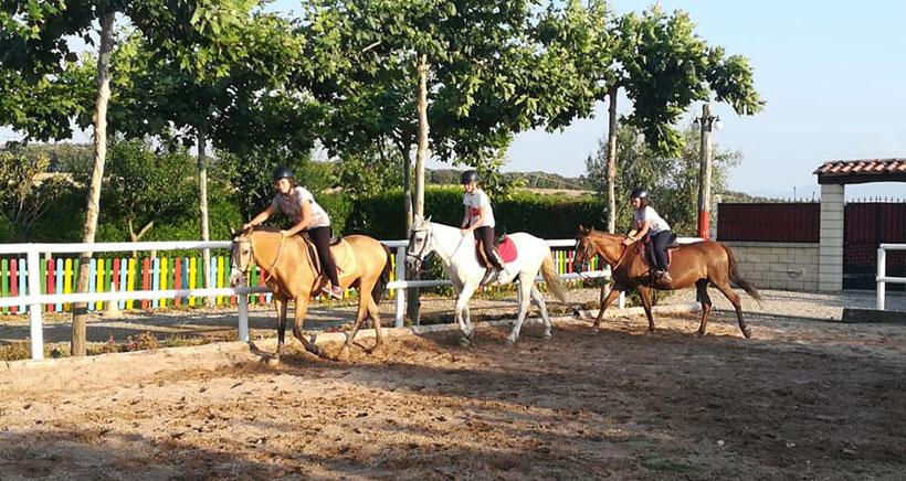 granja-escuela-encinar-montar-caballo