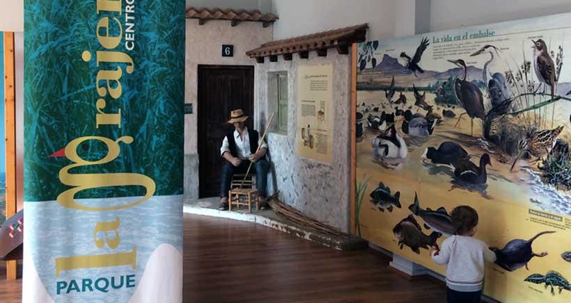 Mercadillo de intercambio de libros en La Grajera