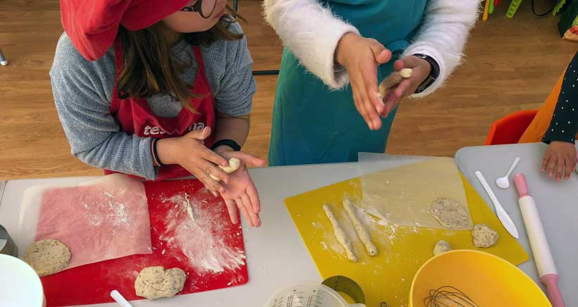 Cook&Play: talleres de cocina y cuentos en Santos Ochoa