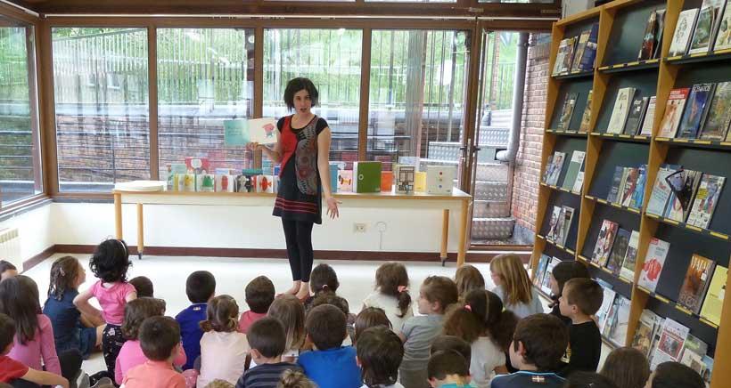 Cuentacuentos con Inés Bengoa en la Biblioteca de Viana