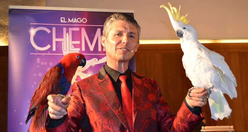 Espectáculo de magia y aves la tarde de Halloween