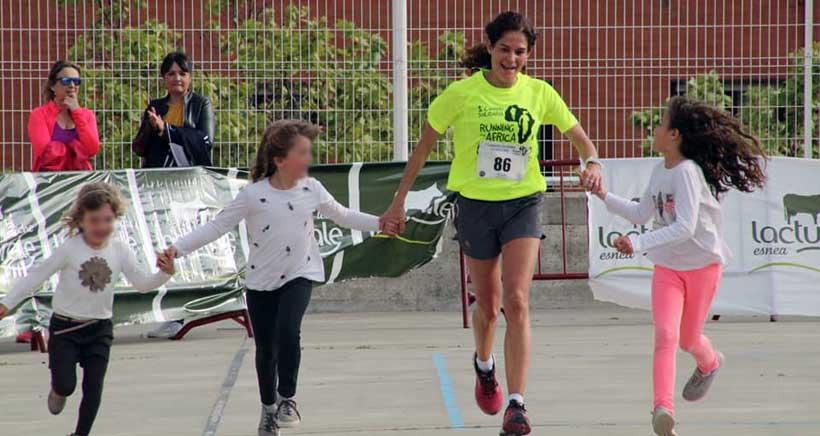 Los alumnos de Paula Montal te animan a correr por las mujeres de África