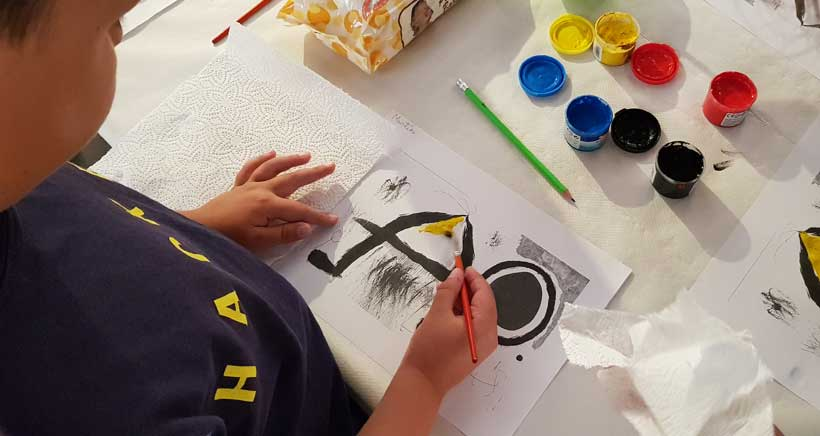'Las vanguardias son para el verano', taller infantil sobre arte en Amós Salvador