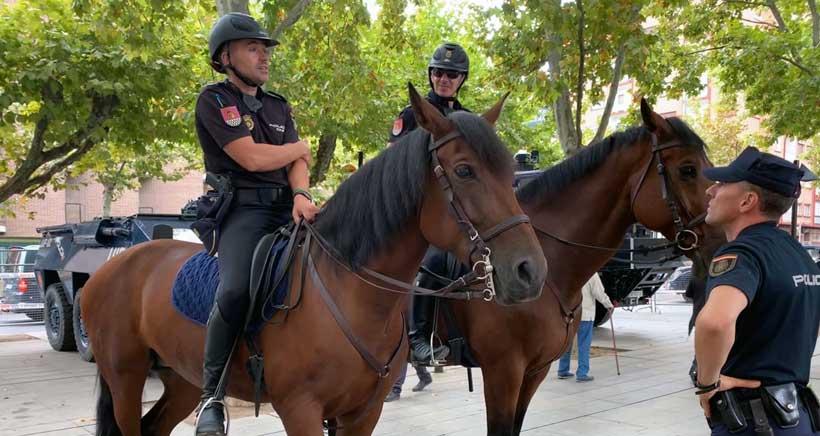 Exposición de medios y vehículos de la Policía Nacional en Logroño