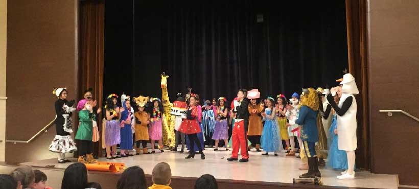 Adoratrices y coro Jorbalán canta a favor de los niños con cáncer