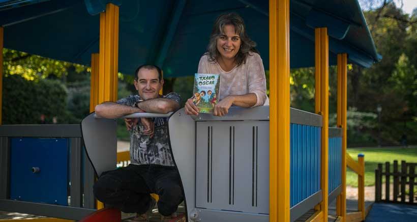 Txano y Óscar, la colección de libros que nació en una autocaravana