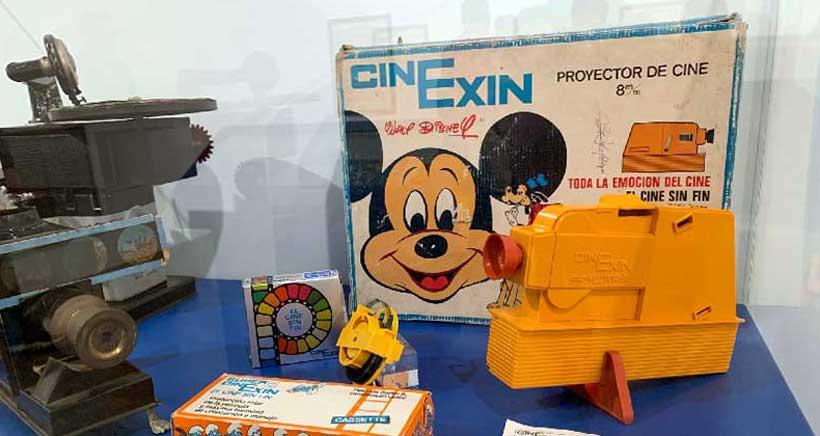 Un siglo de historia de la ciencia contada con juguetes