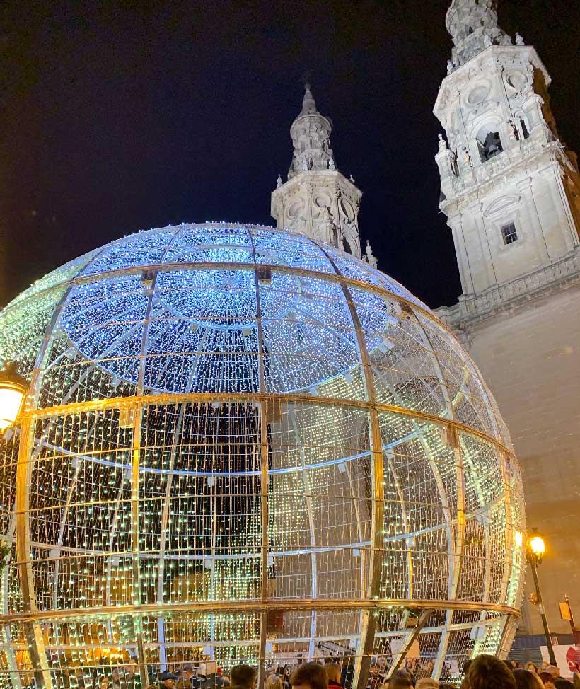 Bola-Navidad-gigante-en-Logrono