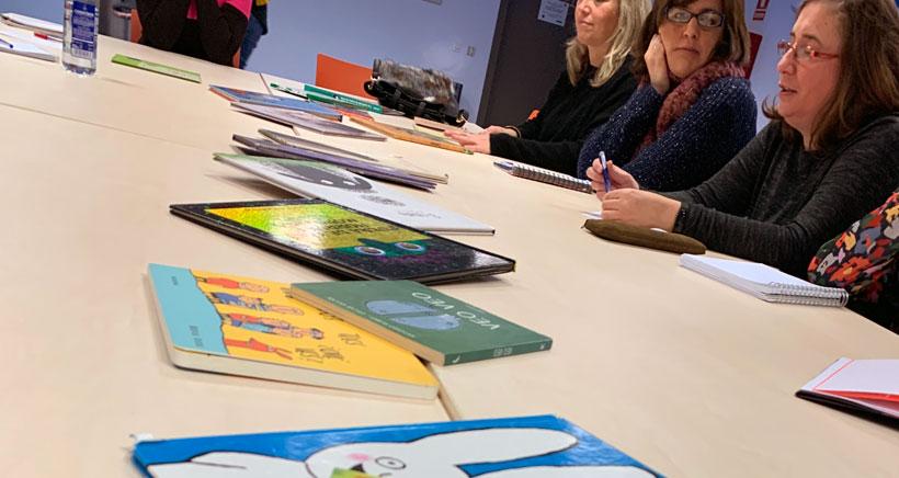 Apúntate a la escuela de padres y madres lectores de la Biblioteca Rafael Azcona