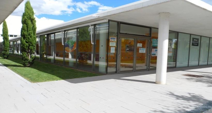 Cierre parcial del CEIP La Guindalera ante el registro de 23 casos entre alumnos y docentes