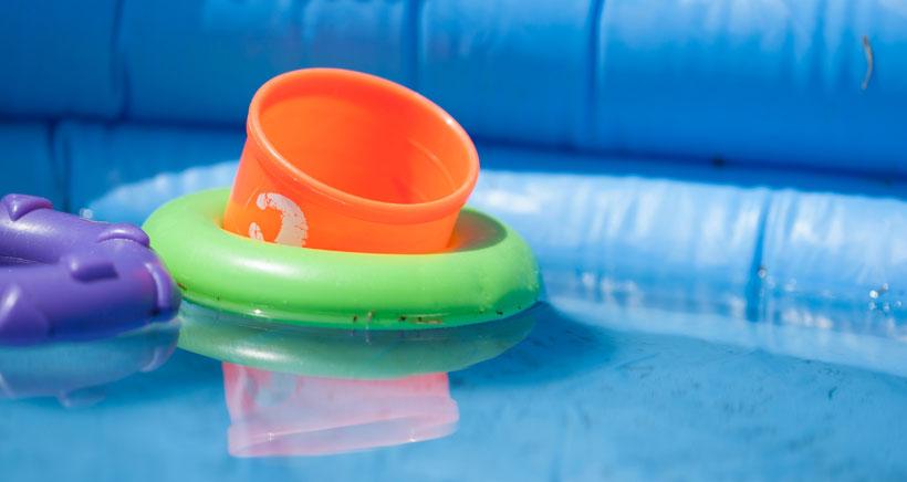 El Colegio de Arquitectos alerta del peligro de instalar piscinas en terrazas y balcones