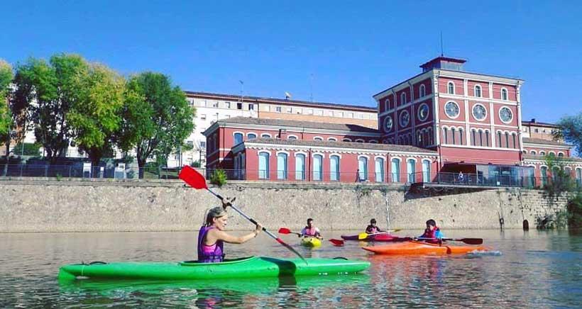 Rafting Rioja Aventura organiza una jornada de kayak en el Ebro a favor de FARO niños con cáncer