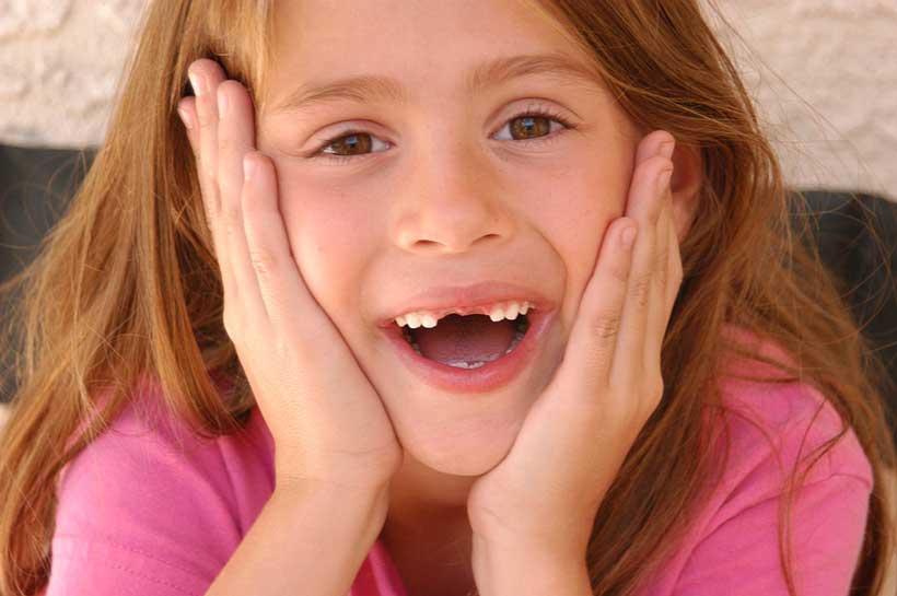 romper-diente-a-un-niño