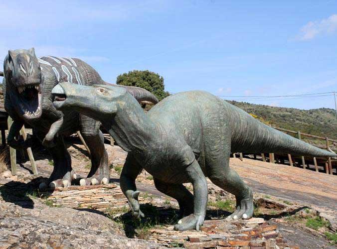 Este puente, visita las huellas de dinosaurios de Enciso