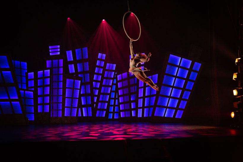 """Acrobacias, equilibrios y desafíos imposibles en """"La aventura de Romeo"""", circo contemporáneo en Riojaforum"""