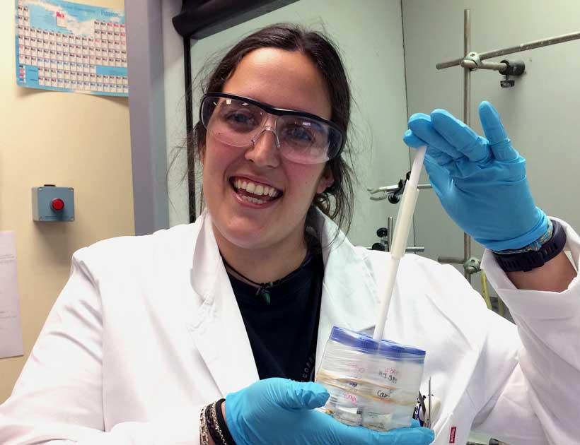 """""""Experimentos de andar por casa"""" con la Dra. en Químicas Marta Gutiérrez"""