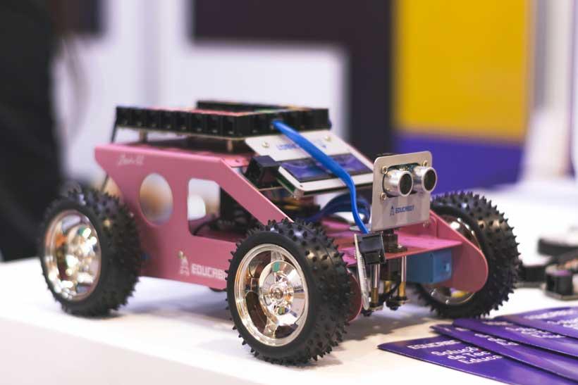 La Universidad ofrece un taller online de robótica para niños y niñas