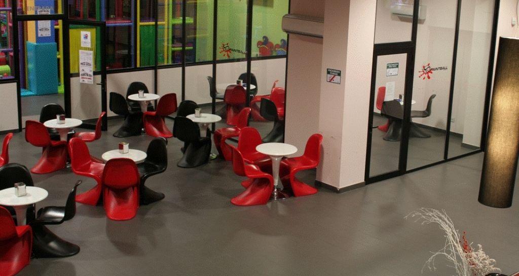cafeteria paintball lardero