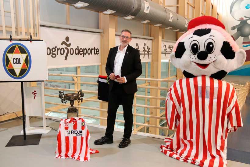 Las Gaunas acogerá una exposición con trofeos y material histórico del Club Deportivo Logroñés