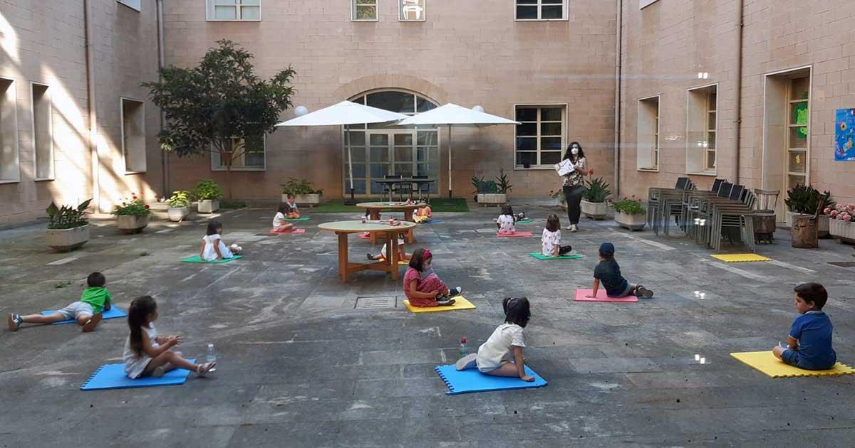 Los jueves, cuentos al aire libre en el patio de la Biblioteca de La Rioja