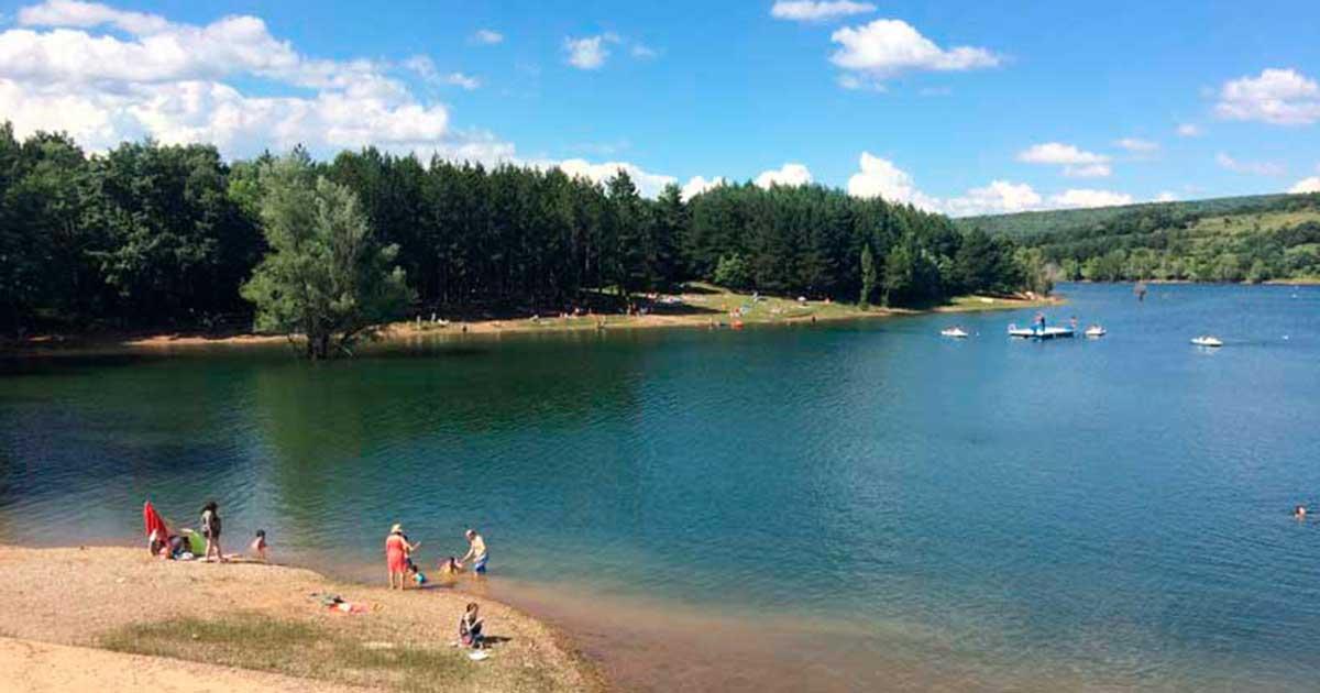 Baño al aire libre en el Embalse González Lacasa