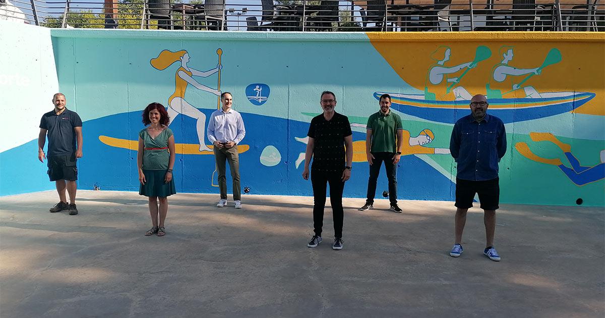 El Embarcadero estrena mural obra de la ilustradora Raquel Marín