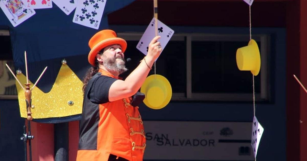 Xperience te invita al teatro: magia con Magomino este domingo