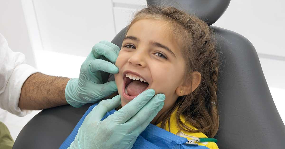 ¿Cómo actuar si se le rompe un diente?